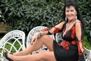 La 70enne vergine Pam Shaw